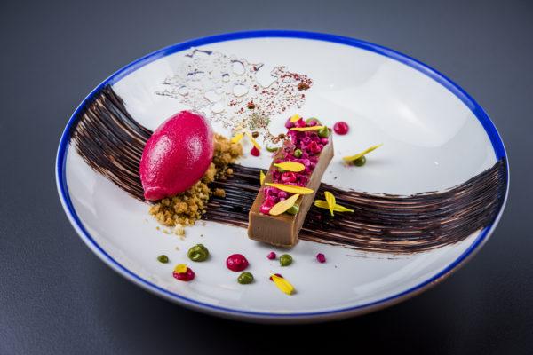 Chocolate,-frambuesa,-pistacho-y-pìmienta-rosa